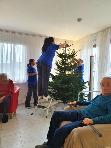 Aktivitäten in der Weihnachtszeit in der Pflegewohnung Weitblick in Winterthur