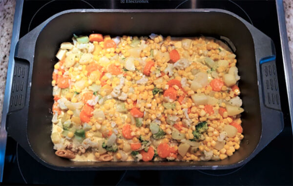 In unserer Küche werden die Mahlzeiten frisch zubereitet - En Guete!
