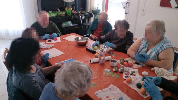 Aktivitäten zur Osterzeit in der Pflegewohnung Weitblick in Winterthur
